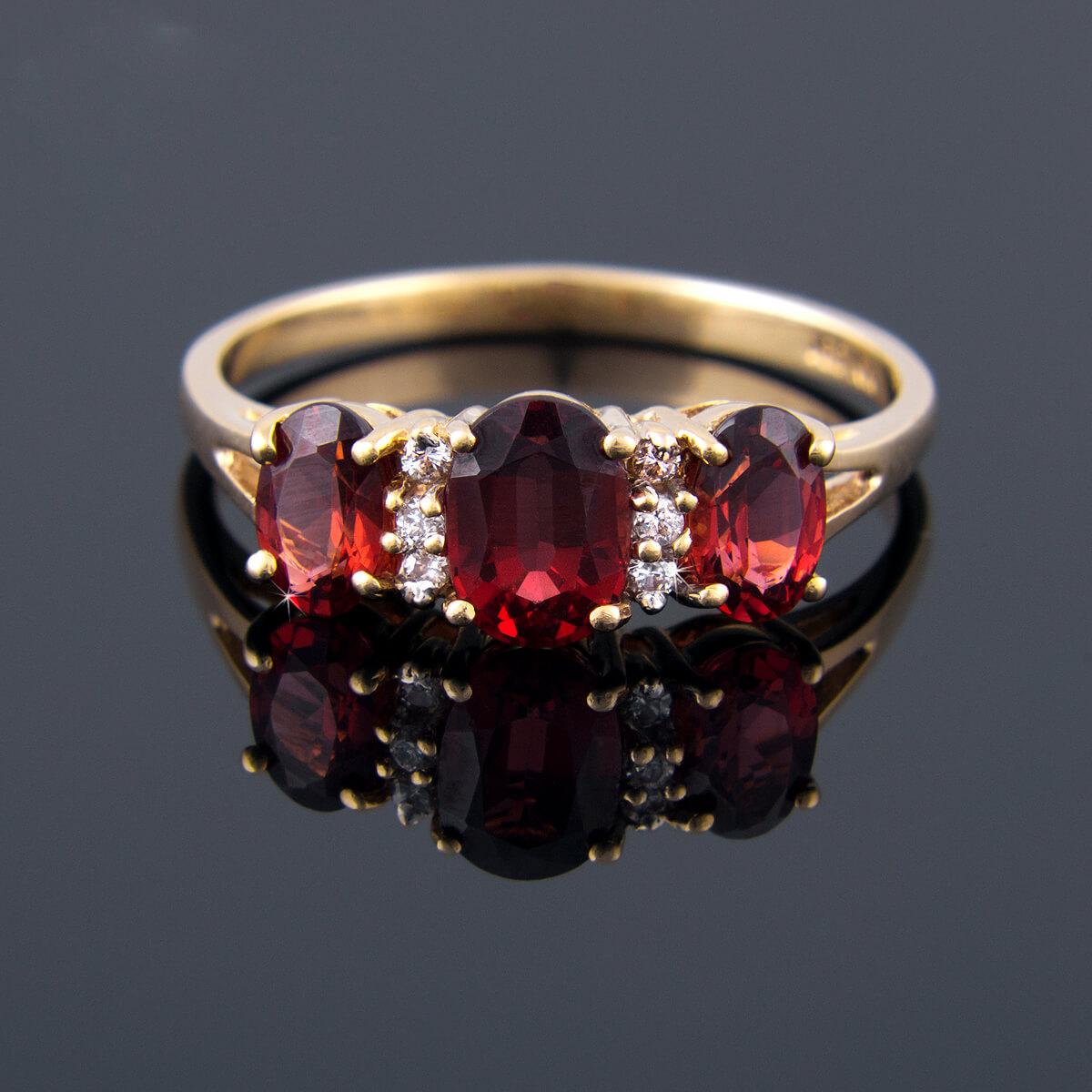 złoty pierścionek na zamówienie